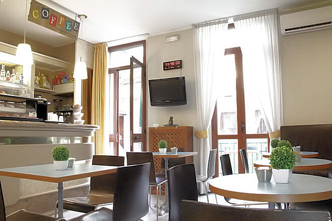 Milan hotel dateo milan hotel two stars porta vittoria - Hotel milano porta vittoria ...